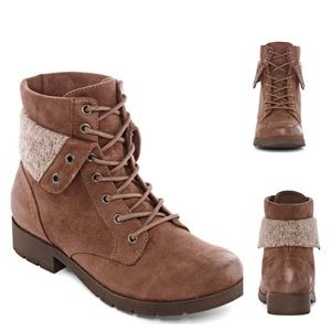 Chestnut Lace-up Boots
